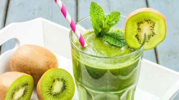 ricetta con estrattore di succo a freddo con kiwi e pera