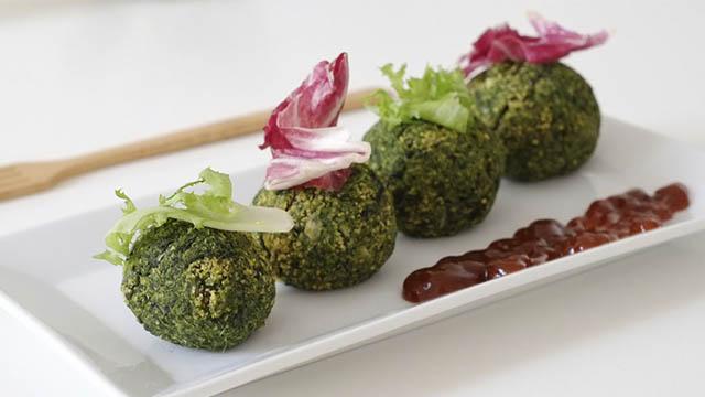 Polpette di ceci, spinaci e semi di chia