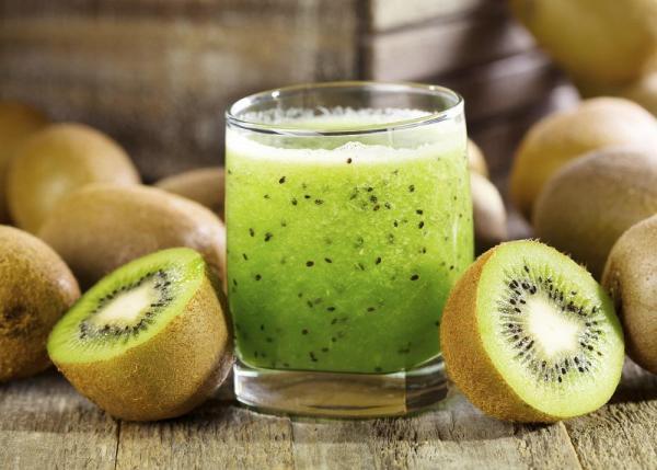 ricetta estratto a base di kiwi e pera contro il gonfiore addominale
